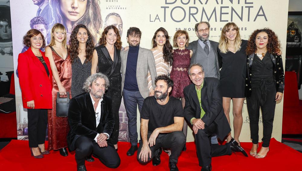 """Aina Clotet y Ruth Llopis estrenan """"Durante la tormenta"""", la nueva película de Oriol Paulo"""